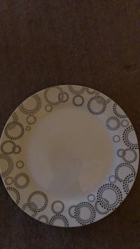 round white and brown floral ceramic plate Bristow, 20136