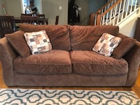 Pull out couch and love seat for sale Arlington, 22204