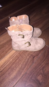 Size 7 toddler boots London, N5Z 2S2