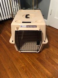 Petmate Vari Kennel paid $120 medium size dogs very sturdy in good condition!  Washington, 20002