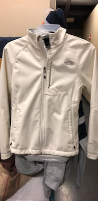 north face  Woman's jacket Omaha, 68110