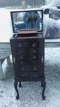 black wooden 6-drawer dresser