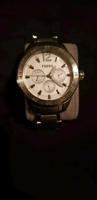 Fossil round silver-colored chronograph watch Whitby, L1N 0H4