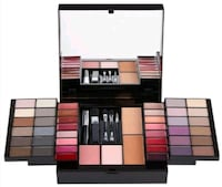 Quo Trendsetter Face and Eye Kit Blockbuster  Toronto, M9P 1X3