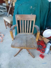 Old wooden office chair  Baxter, 38544