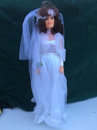 Women's white wedding gown doll Los Angeles, 91402