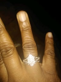 gold and diamond engagement  ring Oxon Hill, 20745