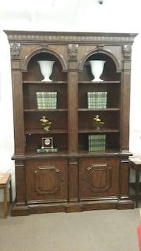 Traditional Arched Bookcase Mesa