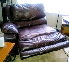 Leathe recliner chair