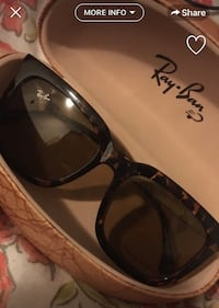 Black framed ray-ban wayfarer sunglasses Toronto, M4C 1R7