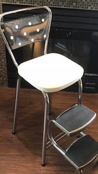 Costco step chair with unique metal trim newly recovered  Surrey, V3W 3P3