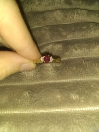 Size 7 gold ruby ring Anderson