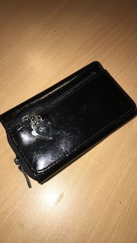 Black leather zip wallet Markham