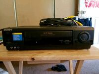 SONY VCR (watch old video vhs movies)