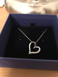silver chain necklace with pendant Guelph, N1L 2J0