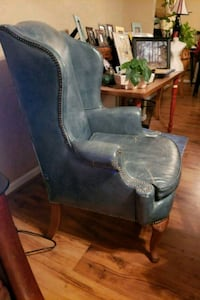 Antique green leather chair 39 km