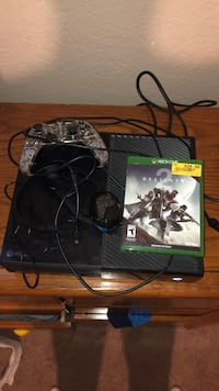 Xbox one with accessories Oklahoma City, 73013