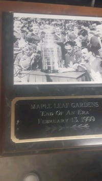 NHL maple leafs plaque