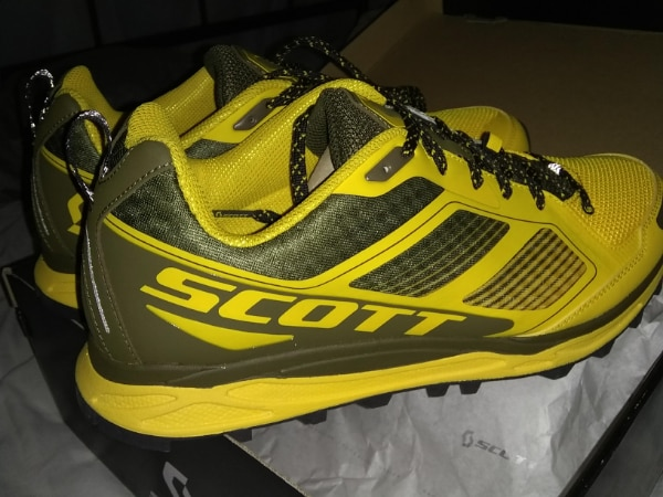 buy online f07cd 47ff2 Scott Kinabalu Supertrac trail-running shoe 10.5 -