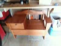 brown wooden desk with hutch West Lafayette, 43845