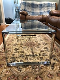 New  condo coffee table metal frame and glass top see pictures size LxWxH 41.5x19.5x15.5 price $150 Toronto, M9V 4T4