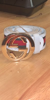 white Gucci leather belt with gold-colored buckle Baytown, 77520