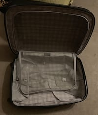 Suit Case - Medium Size  Essa