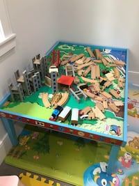 Thomas the train playtable + toys Burnaby, V3N 3K5