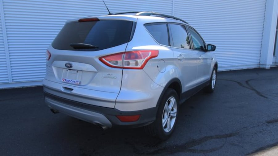 2016 Ford Escape SE / BACK UP CAM & SENSORS / HEATED SEATS  / NAVIG c6b8c76a-0047-45d1-9871-5904a55603a2