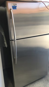 Top freezer stainless steel refrigerator  Concord, 94520