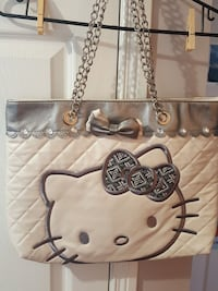 Hello Kitty Tote Calgary, T3K 4J1