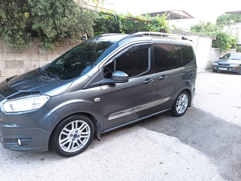 2015 Ford Tourneo Courier Journey 1.6 L TDCI 95PS TITANIUM PLUS b49c6d2b-ee6a-40e3-a2b4-3e0fb712f1d4