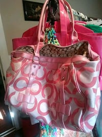 Coach clean but used handbag one strap broke easy  Rossville, 30741