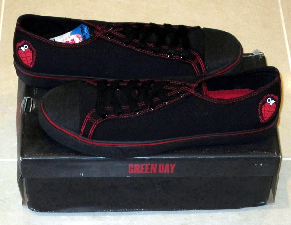 GREEN DAY HEART GRENADE LOW-TOP SHOES / SNEAKERS PUNK ROCK 100% VEGAN MADE