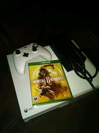 Xbox 1 with Mortal Kombat 11 and 1 controller