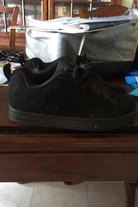 Boys D.C. suede sneakers size 6