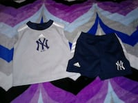 18 month Yankees outfit  2247 mi