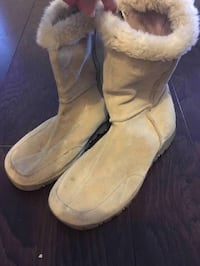 pair of brown sheepskin boots Orange Park, 32065