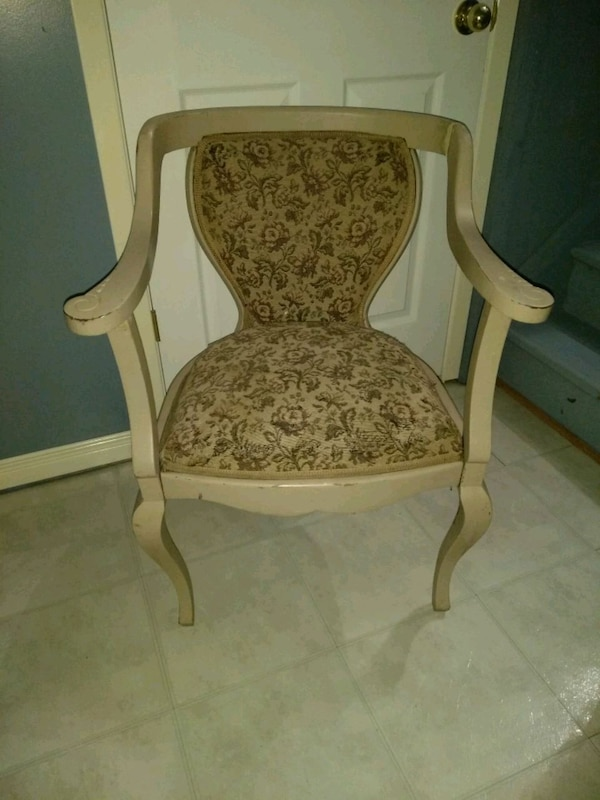 Chair - fixer upper for the DIY