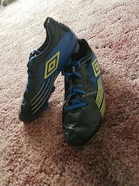 Blue and yellow cleats Akron, 44319