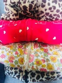 two pink and white floral throw pillows Melrose Park, 60160