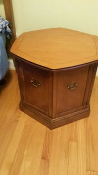 Night Stand, Bed Side Table, End Table  West Columbia, 29170