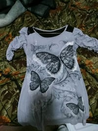 black and gray butterfly graphic boat neck short-sleeved top West Unity, 43570