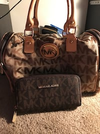 Michael Kors wallet and bag bundle good deal new never used Suitland, 20746
