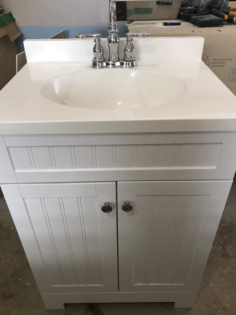 Used white vanity sink in bellevue Used bathroom vanity with sink