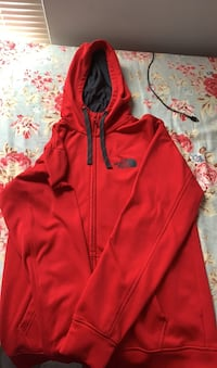 The North Face Patch PullOver Hoddie Herndon, 20171