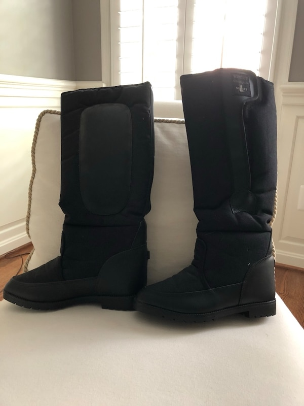New never worn riding boots. Size 7 or 38.