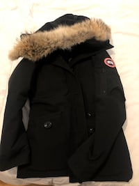 women's canada goose 100% authentic size small 9.5/10 condition