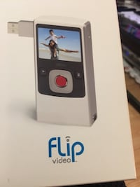 Filp video 120 minutes comes with a USB port in the video camera