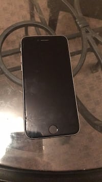 iPhone 6s working condition unlocked 32gb cracked screen Abbotsford, V2T 5R6